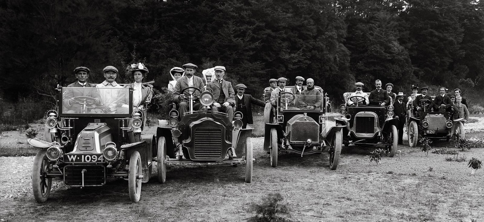 Despite the rapid growth of societies such as the Wellington Automobile Club—here on an outing to Upper Hutt in 1908—many people were reluctant to embrace motoring. Cars threatened the great equine infrastructure of breeders, feed producers, farriers and carriage-makers. They frightened animals, collided frequently with trees, bystanders, fences and street lamps and even came to threaten the existence of inns and hamlets. As roads improved, travellers ranged further, bypassing the staging posts that represented a day's journey by horse-drawn coach.