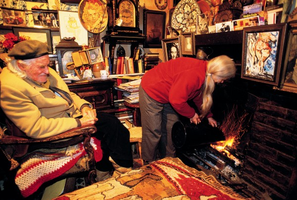 Only one per cent of New Zealand's coal ends up in domestic fireplaces these days, but for Hardwicke Knight (93) and Sally Stockinger, nothing beats the glow of coal in the grate of their Otago Peninsula cottage.