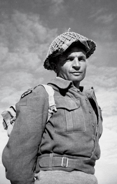 VC Bar. Lieutenant Charles Upham of 20 NZ Battalion, was one of two New Zealanders to earn a Victoria Cross on Crete (the other being 23 Battalion's Sergeant Clive Hulme). He later won a second VC in North Africa.