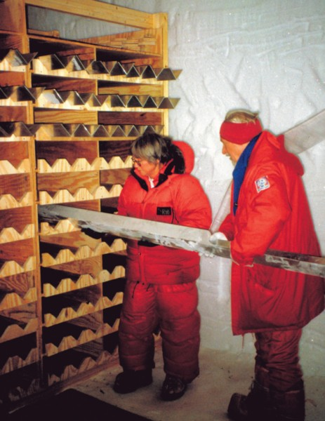 At NGRIP, 3085m of core was drilled, giving a detailed record of climate for the last 123,00 years. Cores were cut into manageable lengths before temporay storage on site, but were destined for permanent storage in frozen core libraries, such as the US National Ice Core Laboratory in Denver.