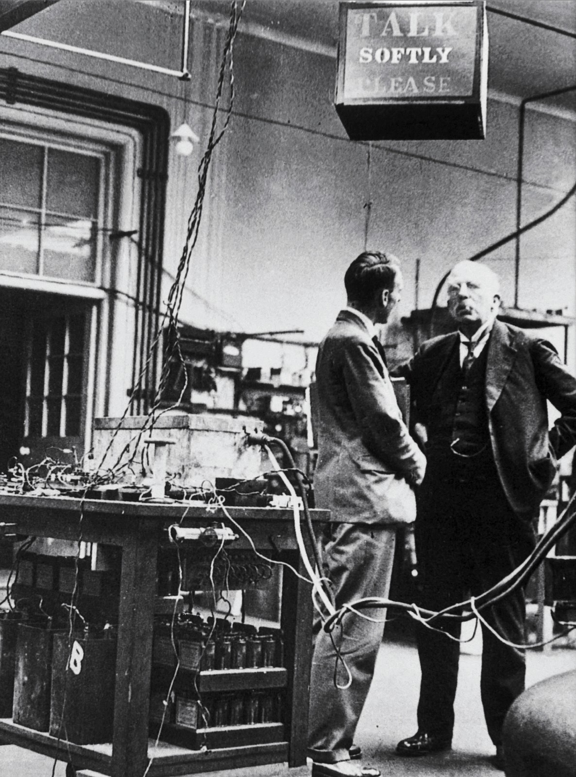 essay on rutherfords lab M l oliphant, p harteck, and ernest rutherford: 1934 note and more detailed paper from the rutherford lab describe fusion ('transmutation') of deuterium (at chemteam site) wilhelm friedrich ostwald on dilution law (1888, at chemteam site.