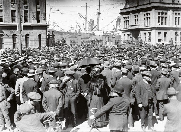 The strike attracted a great deal of interest and sympathy in Wellington—indeed, few specials were recruited from the city and some militant unionists hoped that the action would be a stepping stone to the creation of the world's first socialist republic.