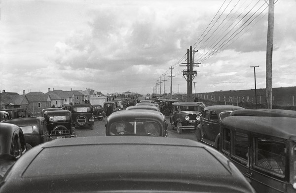 In the 1930s and 40s, a popular leisure activity was checking out new state housing estates. This one in Orakei is almost causing a pre-war traffic jam!