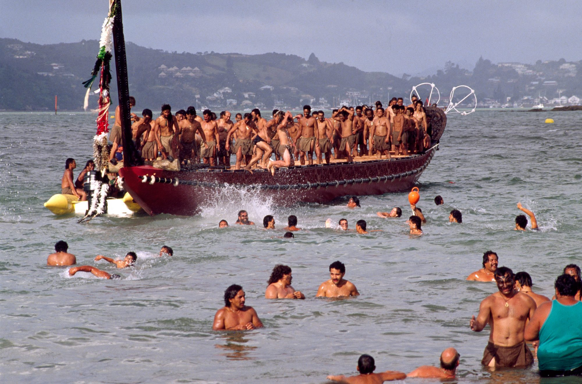 Wellington harbour to come alive as Pacific waka sail into a 1000 ...