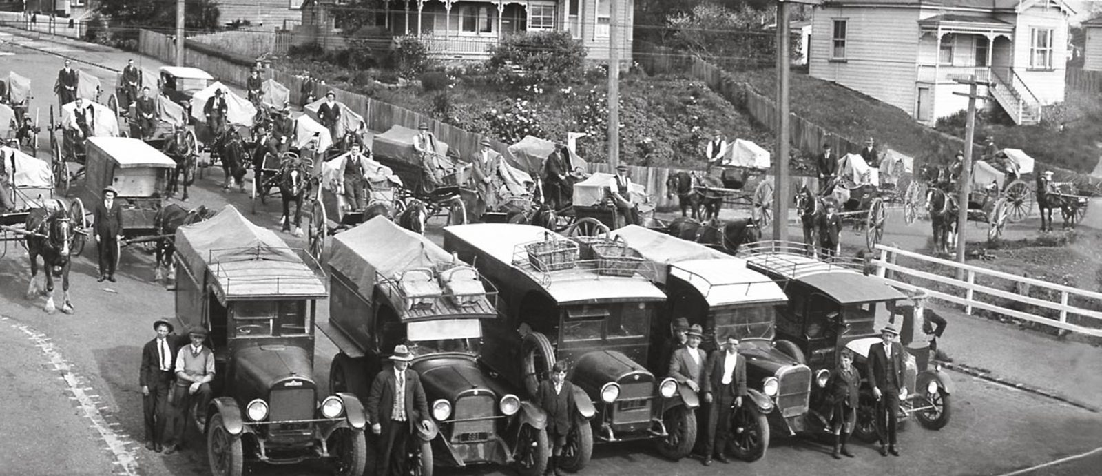 ... persisted in dwindling numbers through to the 1930s, but when this photo of Buchanan's Bakery delivery fleet in the Auckland suburb of Mt Eden was taken ...