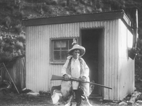 The young Bill Hamilton enjoyed a wild, free-roaming childhood on Ashwick Station, fooling around in boats or hunting in the hinterland. The station's irrigation dam was the site of his first experiments with boats, as here with sister Kitty (bottom).