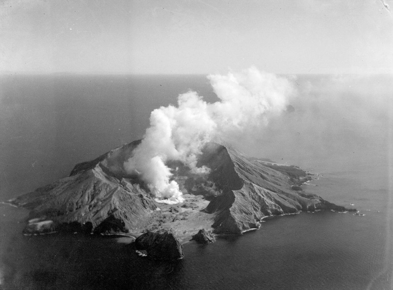 white island - photo #28